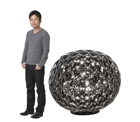 Tokujin Yoshioka og bordlampen Planet