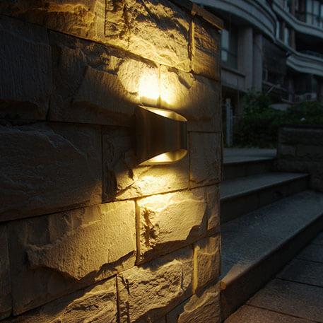 Væglamper i rustfrit stål med LED