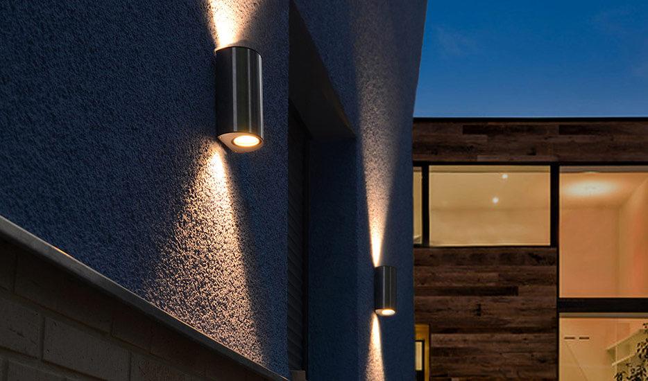 Hvordan og hvor højt skal væglamper placeres?
