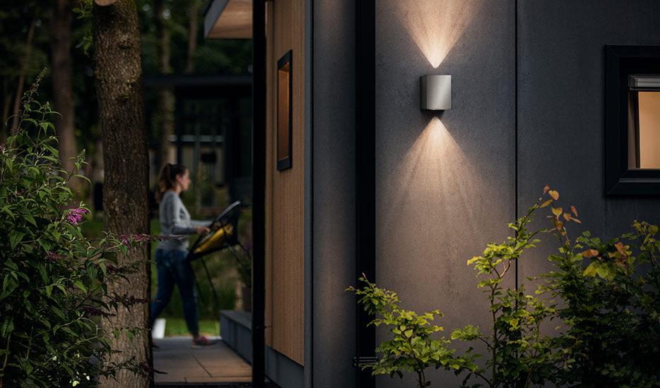 Hvilke fordele er der ved lamper af rustfrit stål?