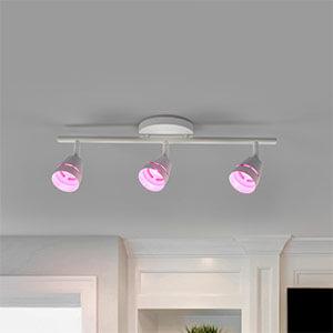 Ivory LED-loftspot med tre lyskilder og fb