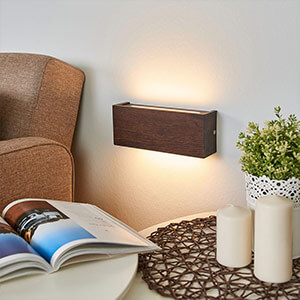Eiche kolonial - LED-Holz-Wandleuchte Mila, 25 cm